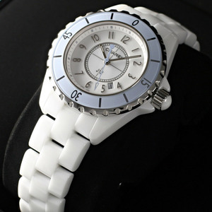 [추가비용없음] 샤넬 CHANEL J12 H4340 CHANEL J-12 WHITE 33mm SOFT-BLUE LIMITED EDITION
